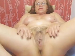 Webcam - Colombian granny Milf badinage (no sound)