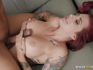Inked bombshell redhead Tana Lea procurement cum vulnerable face in the office