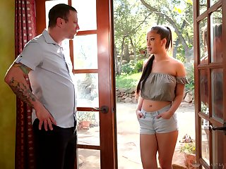Asian masseuse Jade Kush gives a excellent nuru massage to her original client
