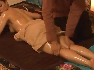 massage quý_ bà_ và_ chich tai cho viet nam HCM