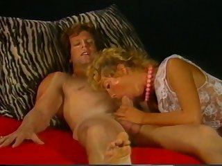 Retro Porn Star Gina Carrera Sucks Off Paul Thomas
