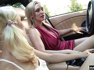 Tanya Tate increased by Teagan Summers are both blondes pub one is a hot milf