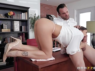 Bestial pussy fuck with gloominess babe Clea Gaultier