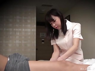 Counterfoil fingering horny Asian enjoys a doggy style on the bed