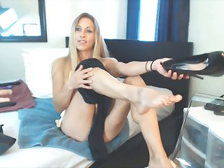 Superb blond housewife Mrs T Gray orgasmic pussy close-up
