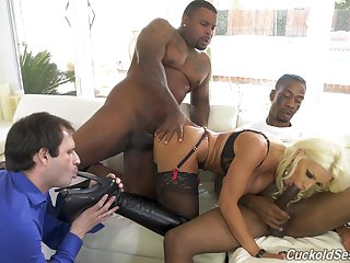Black hunks fuck an obstacle blonde spliced while shush licks her arms