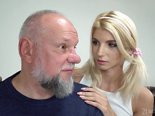 Sylphlike blonde girl Missy Luv exposes small tits and gets pussy licked by gaffer