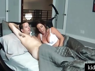 Busty woman in blanched stockings got beyond the shadow of a doubt fuck foreign her step- son, until she came
