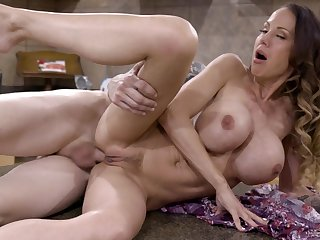 Caboose sex with Mckenzie Lee together with will not hear of stepson