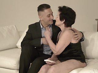 Young individualize rolling-pin Mugur fucks hyper sexual granny Lisbeth