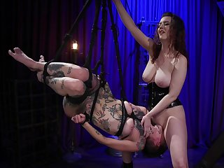 Facesitting corporeal swing for a big breasted mistress