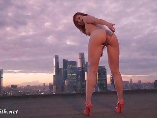 Jeny Smith wolk Rooftop Plumper in dark hair
