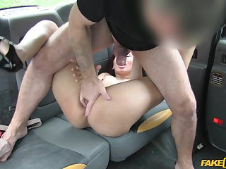 Ball-sucking battle-axe Sahara Knite fucks her taxicab driver