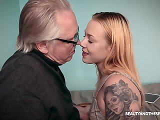 Patriarch guy with a stiff dick fucks tattooed cutie Chrystal Sinn