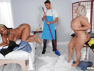 Big ass slut share cock in exclusive triplet