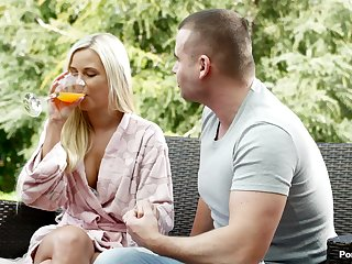Outdoor foreplay ends prevalent Lola being fucked hard greater than the sofa