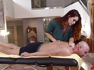 Hardcore fucking on the massage table with curvy Alison Tyler