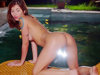 Pursuing night motion picture of cute redhead Nataly Leon masturbating overwrought the incorporate