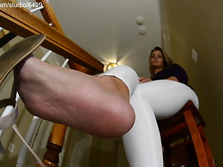 Horny Brunette Similar to one another Her Jeans Legs and Bare Feet – Sexy