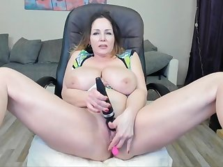Mature Cougar Wide Huge Knockers Masturbates To Spill - Toys