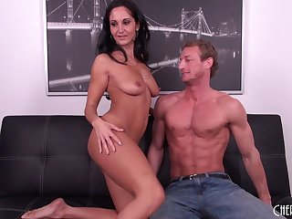 Chesty MILF Ava Addams gets lose one's train of thought tight pussy slammed